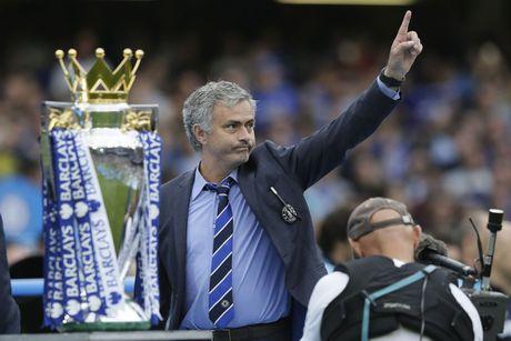 Mourinho lan dau trai long ve viec bi Chelsea sa thai - Anh 1