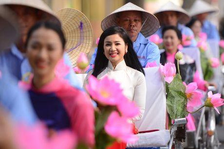 Cuoc song hien tai cua my nhan 'La ngoc canh vang' - Anh 1