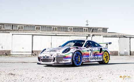 Porsche 911 GT3 RS do theo phong cach may tinh Apple - Anh 1