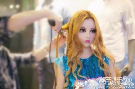 Co gai Trung Quoc co guong mat giong het bup be Barbie - Anh 5