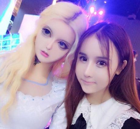 Co gai Trung Quoc co guong mat giong het bup be Barbie - Anh 6
