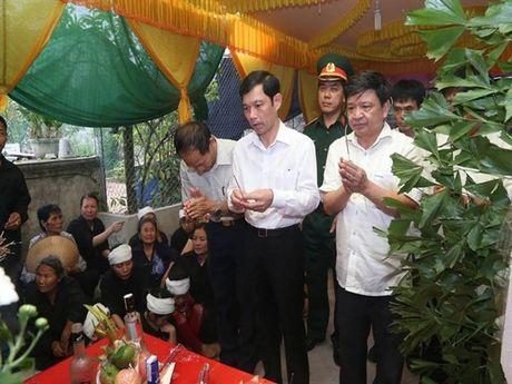 Tien dua phi cong tre trong vu may bay truc thang roi ve que Ha Nam an nghi - Anh 4