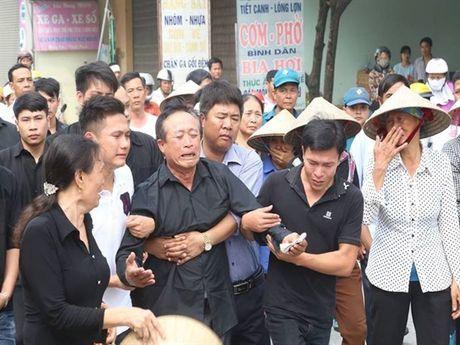 Tien dua phi cong tre trong vu may bay truc thang roi ve que Ha Nam an nghi - Anh 6