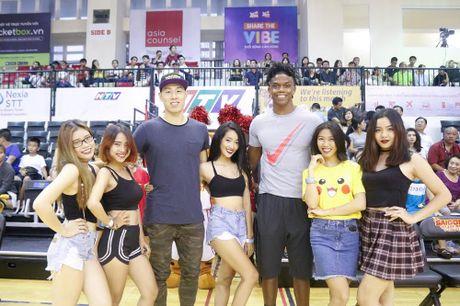 'Hot girl' khuay dong VBA 2016 - Anh 4