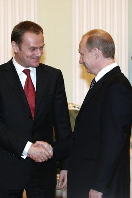 Guong vo lai lanh, EU se do lenh trung phat Nga vao mua xuan nam toi - Anh 1