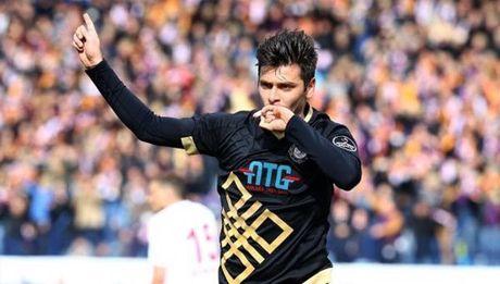 DHTB luot tran thu ba vong bang Europa League: Vinh danh Pogba - Anh 10