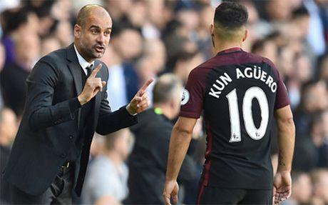 HLV Guardiola giai thich ly do de Aguero du bi o tran thua dam Barca - Anh 1