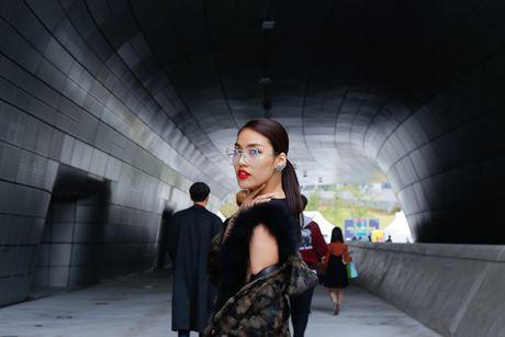 Lan Khue - Quynh Mai dao pho Han Quoc voi phong cach ca tinh - Anh 7
