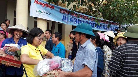 Tiep them 200 suat hang cuu tro den voi ba con vung lu Loc Yen - Anh 2