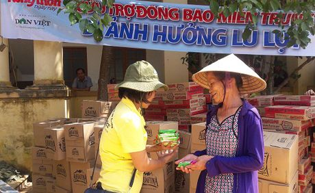 Tiep them 200 suat hang cuu tro den voi ba con vung lu Loc Yen - Anh 3