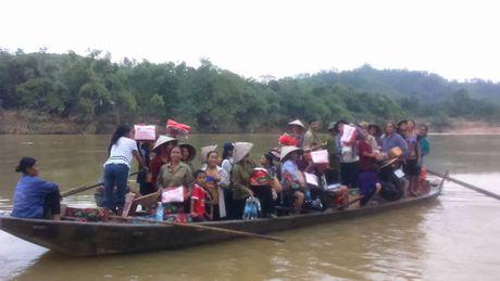 Gan 700 suat hang cuu tro den tay nguoi dan bi lu lut Vu Quang - Anh 11