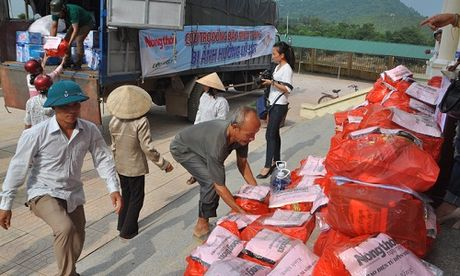 Gan 700 suat hang cuu tro den tay nguoi dan bi lu lut Vu Quang - Anh 1