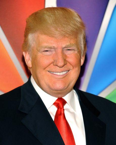 Tai sao da mat ty phu Donald Trump co mau cam? - Anh 1