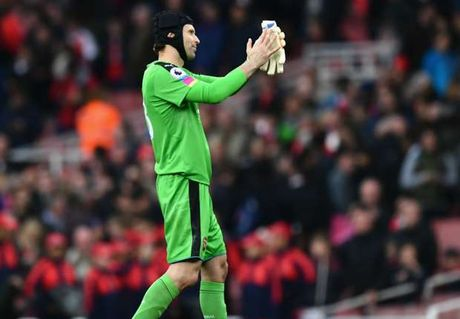 Cech chi ra ly do Arsenal 'dang hay lai dut day dan' - Anh 1