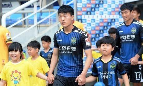 Da chinh gan 70 phut, Xuan Truong gop 3 diem cho Incheon - Anh 1