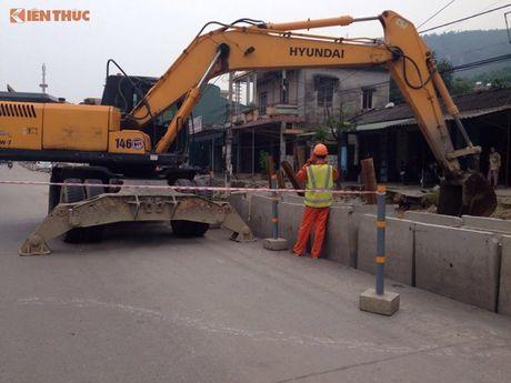 UBND TP Cam Pha chi dinh thau sai luat Du an cai tao QL18 - Anh 1