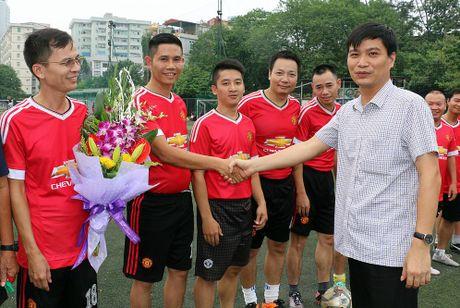 Bao GD&TD thi dau giao huu bong da voi nganh GD Hung Yen - Anh 2