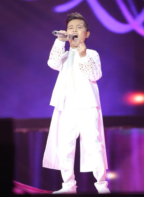 Liveshow 6 'Giong hat Viet nhi 2016': Be Thuy Binh khien cac HLV bat day khoi 'ghe nong' - Anh 3