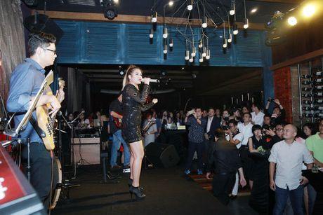 Ho Ngoc Ha va quan quan Vietnam Idol 2016 khuay dong Rooftop - Anh 13