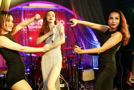Ho Ngoc Ha va quan quan Vietnam Idol 2016 khuay dong Rooftop - Anh 7