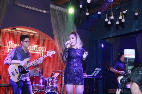 Ho Ngoc Ha va quan quan Vietnam Idol 2016 khuay dong Rooftop - Anh 9