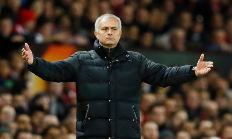 HLV Mourinho: 'Toi la nguoi cua M.U' - Anh 1