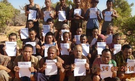 Cuop bien Somalia tha con tin Viet Nam sau 4 nam giam giu - Anh 1
