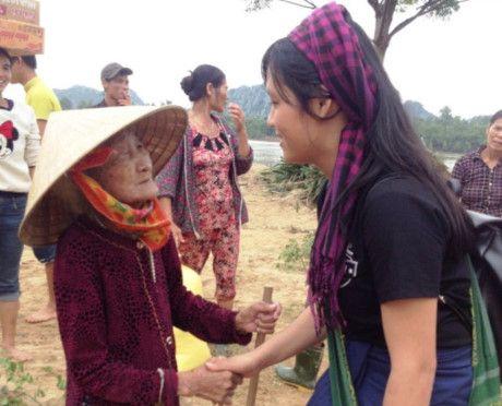 Thu tuong truy khen tinh nguyen vien Dang Thi Thu Huong - Anh 2