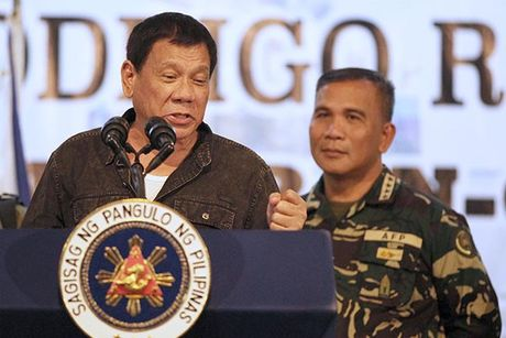 Cuu Tong thong Philippines lo My lat do ong Duterte - Anh 1