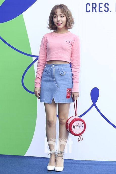12 bo canh dep nhat cua my nhan Han o Seoul Fashion Week - Anh 1