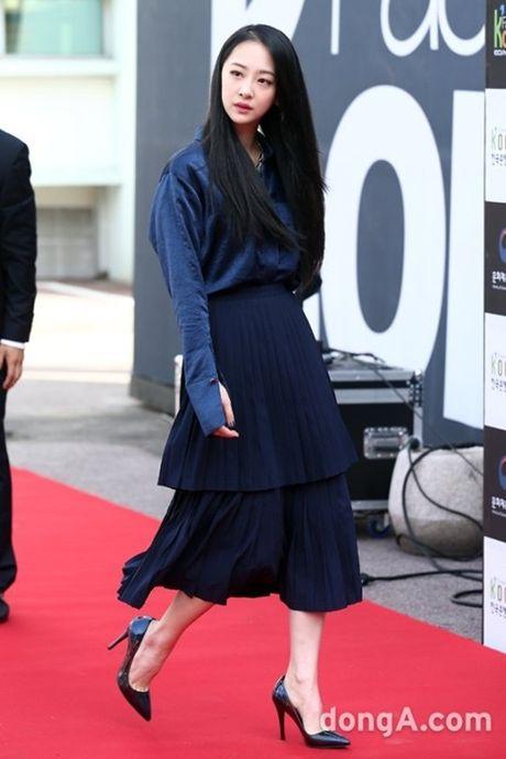 12 bo canh dep nhat cua my nhan Han o Seoul Fashion Week - Anh 5