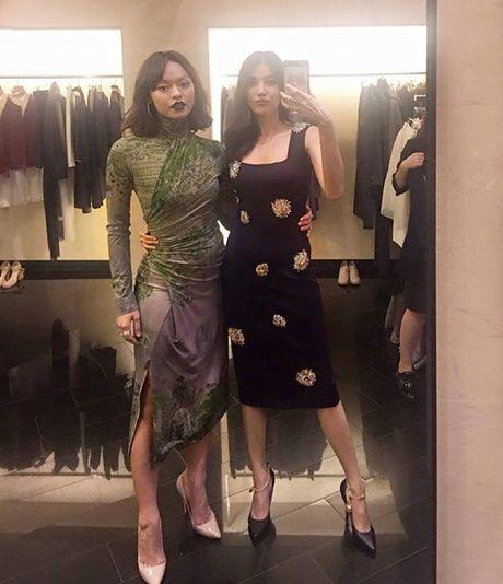 Sao Viet 23/10: Toc Tien nguc day sexy, Ho Quang Hieu muon 'danh lon' voi ban gai - Anh 6