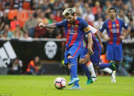 Messi lap cu dup, Barca van hut chet truoc Valencia - Anh 1