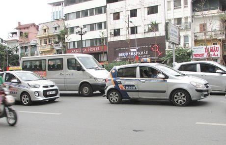Xung quanh van de taxi ngoai tinh: Can thao go nhung kho khan cho doanh nghiep - Anh 1