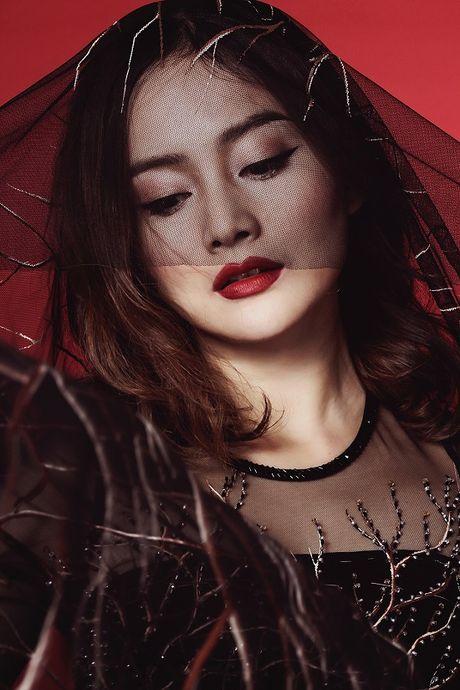 Lan Phuong dep 'am anh' trong bo anh ao dai Halloween - Anh 3