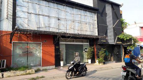 Hai Phong: 5 thanh nien bong nhien ngat xiu truoc quan karaoke 444 Cho Hang - Anh 1