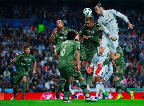 Lo Ronaldo, Real ky hop dong Bale ky luc 195 trieu bang - Anh 1