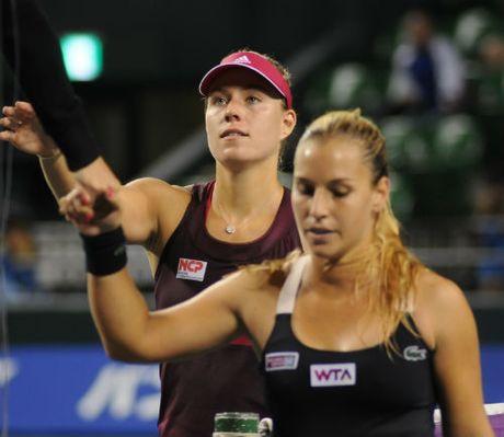 WTA Finals ngay 1: Kerber chung minh dang cap so 1 - Anh 1