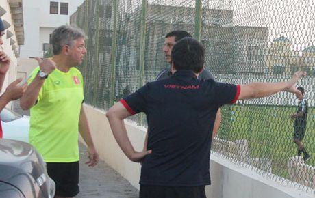 BAN TIN The thao: Chu nha Bahrain lam kho U19 Viet Nam - Anh 1