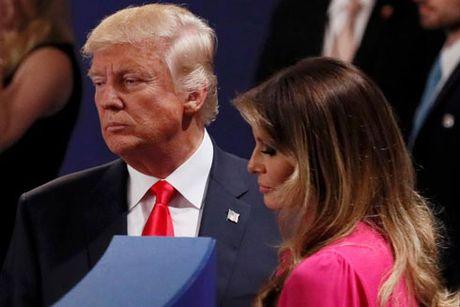 Ba Melania Trump len tieng bao ve chong - Anh 1
