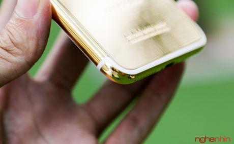 'Bong tay' cam iPhone 7 Plus vang 24K gia 180 trieu tai Viet Nam - Anh 11