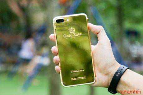 'Bong tay' cam iPhone 7 Plus vang 24K gia 180 trieu tai Viet Nam - Anh 1