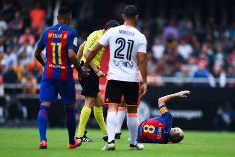 Messi lap cu dup, Barca thang hu via Valencia - Anh 2