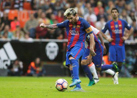 Messi lap cu dup, Barca thang hu via Valencia - Anh 4