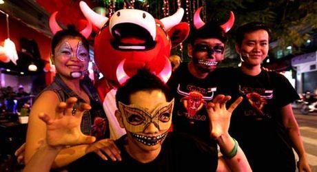 Kham pha khong khi Halloween tren khap the gioi - Anh 12