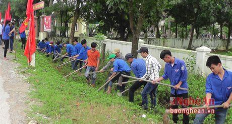 Yen Thanh: 200 hoc sinh ra quan lam thuy loi - Anh 1