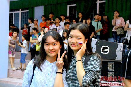 'Dem trang' lung linh tai truong chuyen Phan Boi Chau - Anh 1
