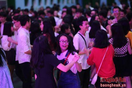 'Dem trang' lung linh tai truong chuyen Phan Boi Chau - Anh 6