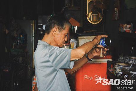 Nguoi dan ong luu giu ky uc o quan ca phe vot cuoi cung trong khu Cho Lon - Anh 3