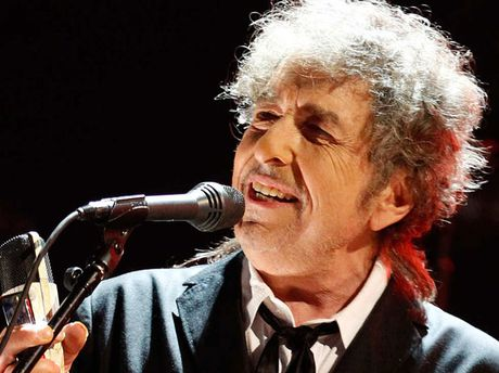 Bob Dylan, nhac si mang tam hon cua nha tho - Anh 1